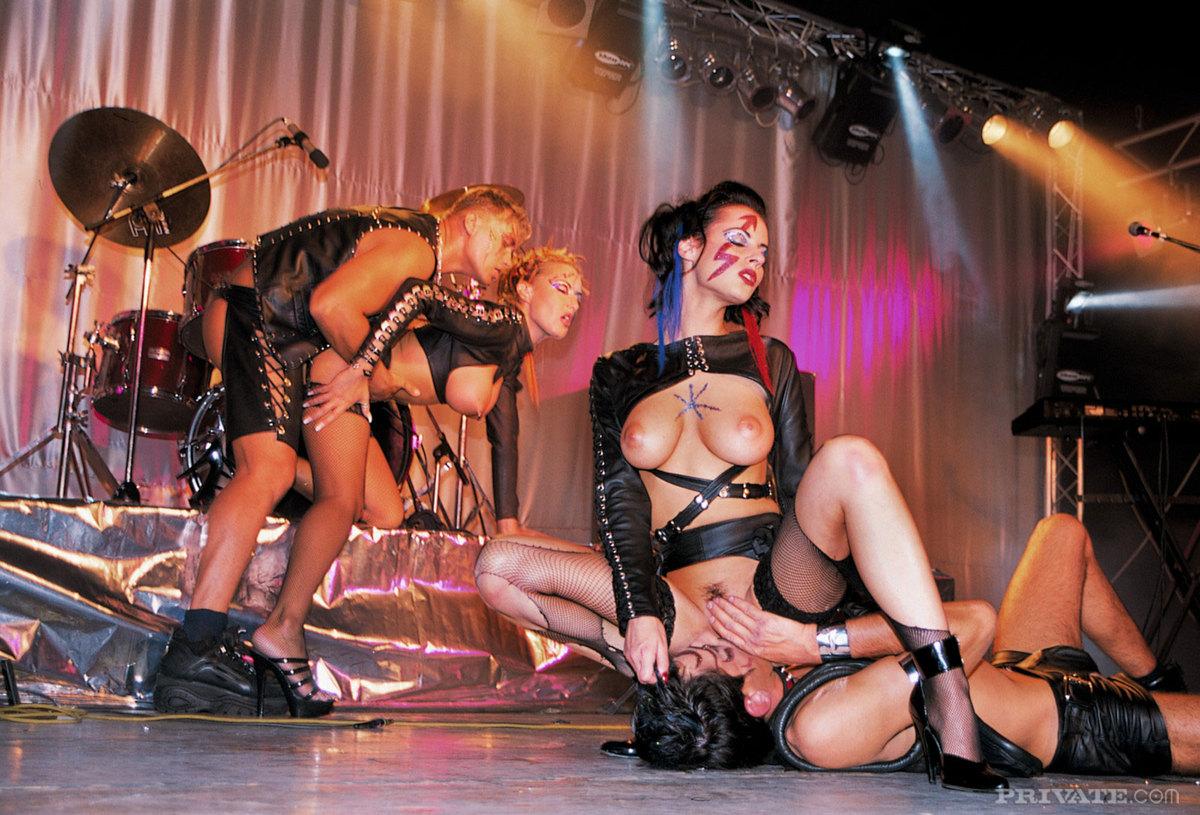 год музыкальные порно концерты онлайн данном сайте собраны