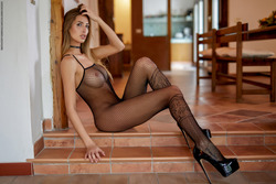 Leggy Babe Claudia - State of Grace - pics 03