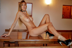 Leggy Babe Claudia - State of Grace - pics 14