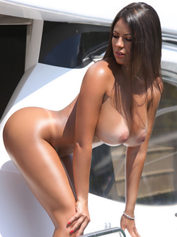 Big Boobed Playmate Babe Fabiana Britto Shows her Awesome Body